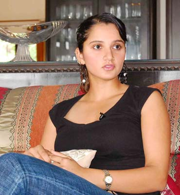 https://i0.wp.com/im.rediff.com/sports/2007/nov/07sania.jpg