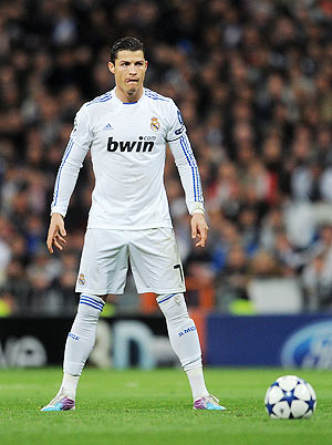 Real Madrid Iphone 4 Wallpaper La Liga Real Madrid 13 Points Clear After Crushing