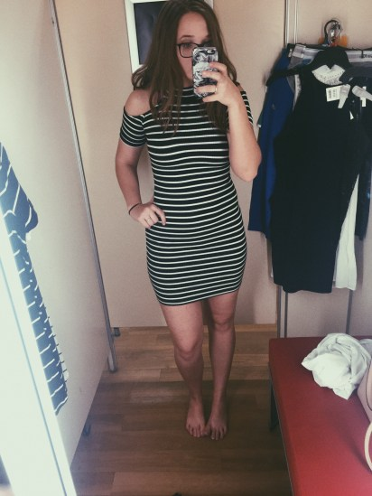 Fitting Room Selfie : fitting, selfie, Fitting, Selfie, Kashhhh