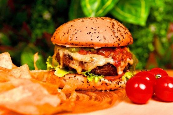 Get 10% Discount, 20% Cashback at 7Seventeen - The House Of Crafted Food,  Vasant Vihar, Delhi | Dineout