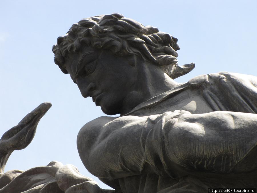 Скульптура Еревана. Другая, совсем другая. (Ереван, Армения)
