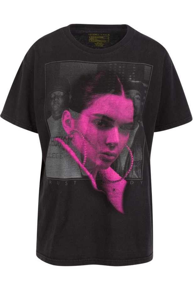 jenner%20pac%203 Did Kylie And Kendall Jenner Dishonor Rap Legends With Questionable T Shirt Design?