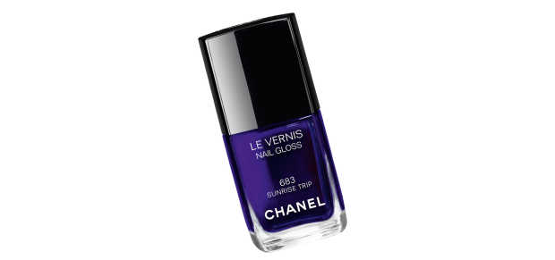 Chanel Sunrise Trip Spring 2016 Nail Polish Indoor View