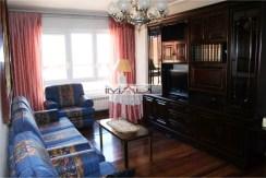 Piso en venta en General Castaños de 4 habitaciones, 2 baños y trastero