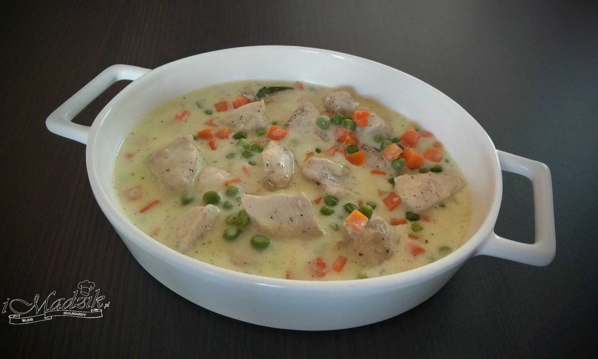 Marchewkowo-groszkowa potrawka z kurczaka