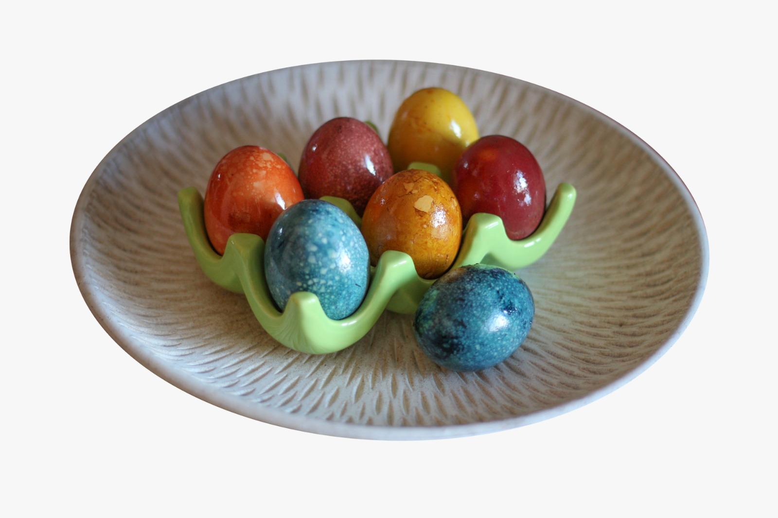 Naturalne barwniki do jajek