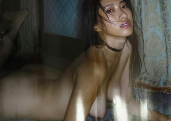 染谷有香ヌード画像007