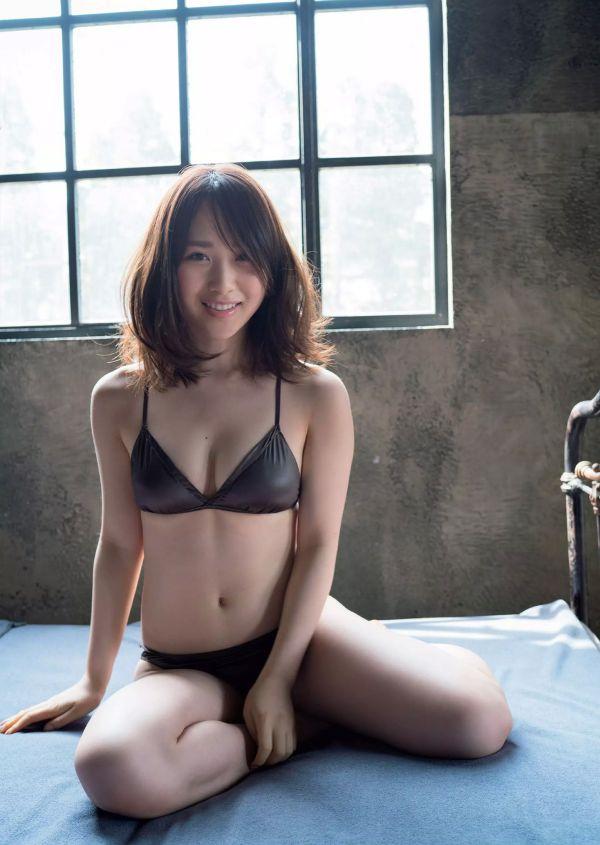 高橋朱里 エロ画像026
