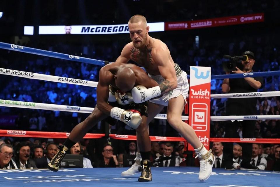 Floyd Mayweather vs. Conor McGregor 世紀之戰!Mayweather 在第 10 回合勝出!   HYPEBEAST