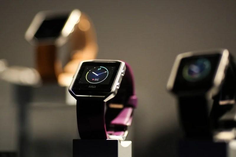 對決 Apple Watch − Google 斥資 $21 億美元收購智能穿戴裝置品牌 Fitbit | HYPEBEAST