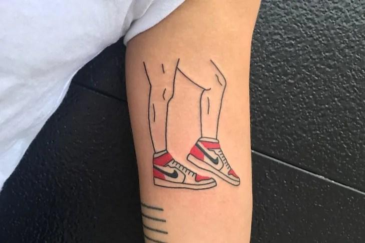 10 minimalist tattoo artists