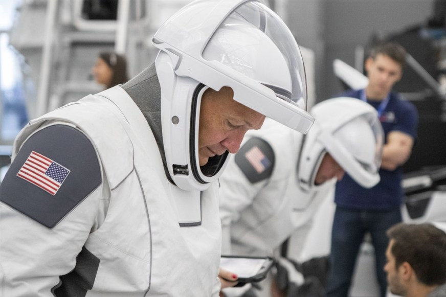 NASA SpaceX Crew Dragon Astronaut Suits Info | HYPEBEAST