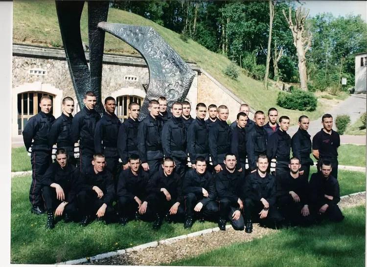 Photo de classe cole sapeur pompier de paris de 1998 Ecole Des Sapeur Pompier De Paris
