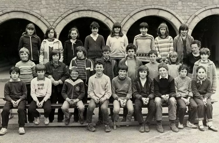 Photo de classe 6 B 1982 de 1982 Collge Immacule Conception  Copains davant