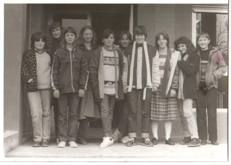 Photo de classe Les filles de 3 me de 1982 Collge Jacques Prvert  Copains davant