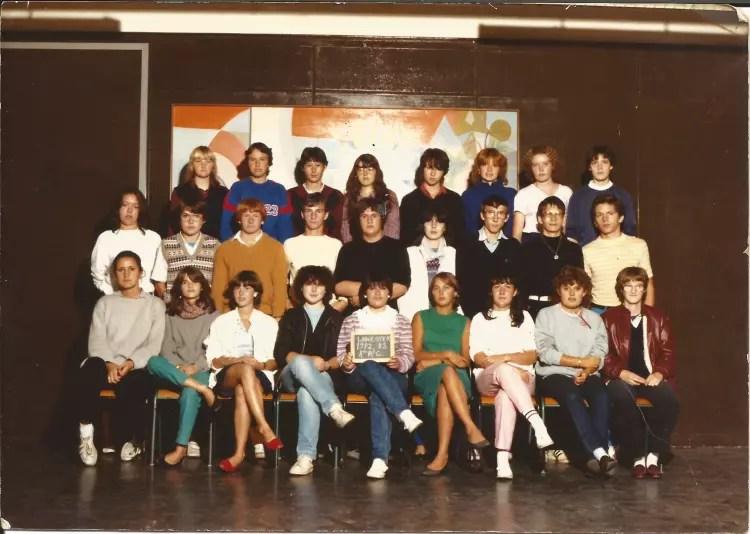 Photo de classe BEP CAP COMPTABILITE ANNEE 198283 de 1982 Lyce Jean Mac  Copains davant