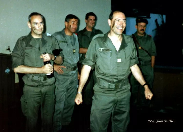 Photo de classe Chez Grard Bezacier  KEHL de 1991 32 Ieme Regiment Du Genie  Copains davant