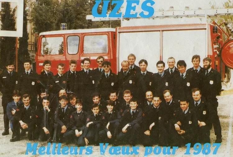 Photo de classe Caserne duzs de 1985 Caserne Des Sapeurs Pompiers  Copains davant