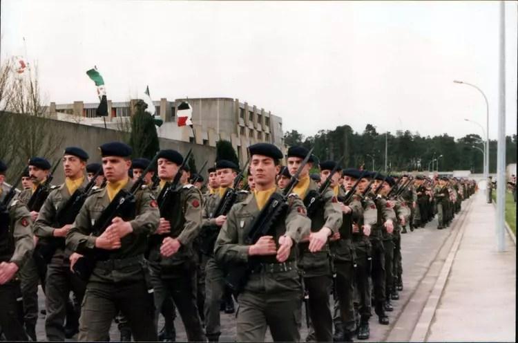 Photo de classe 41RI de Chateaulin 29 de 1989 41 me Ri  Copains davant