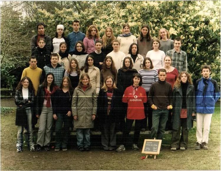 Photo de classe 2nde 9 de 2002 Lyce Dupuy De Lome  Copains davant