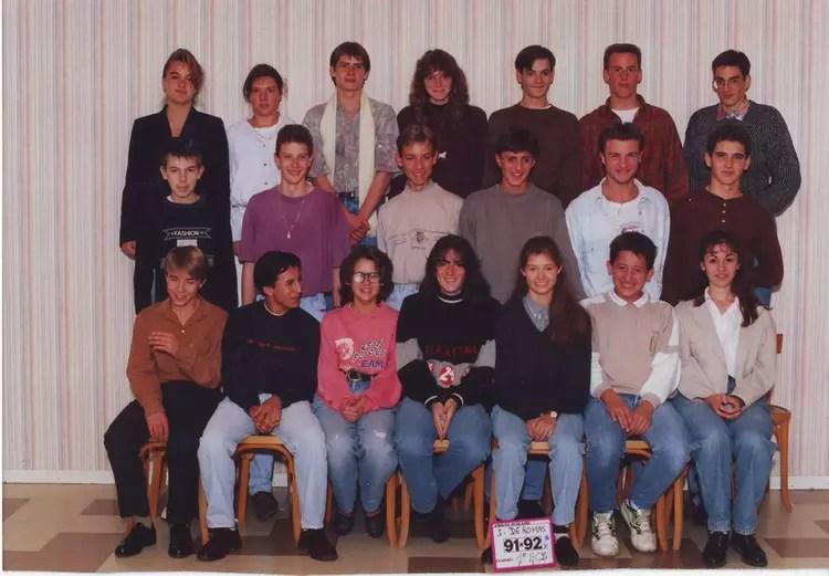 Photo de classe 1 hcb de 1991 Lyce Professionnel Jacques De Romas  Copains davant