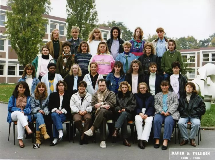 Photo De Classe Terminale G1 De 1989 Lyce Valentine