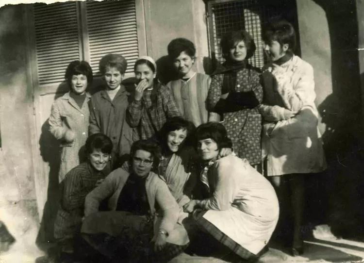 Photo de classe Ecole st Anne de 1967 Ecole Sainte Anne Uzes  Copains davant