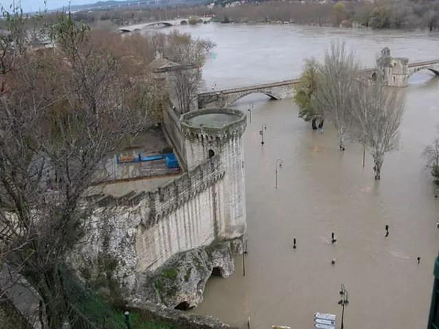 Inondation en Avignon par Fabrice SANCHEZ sur LInternaute