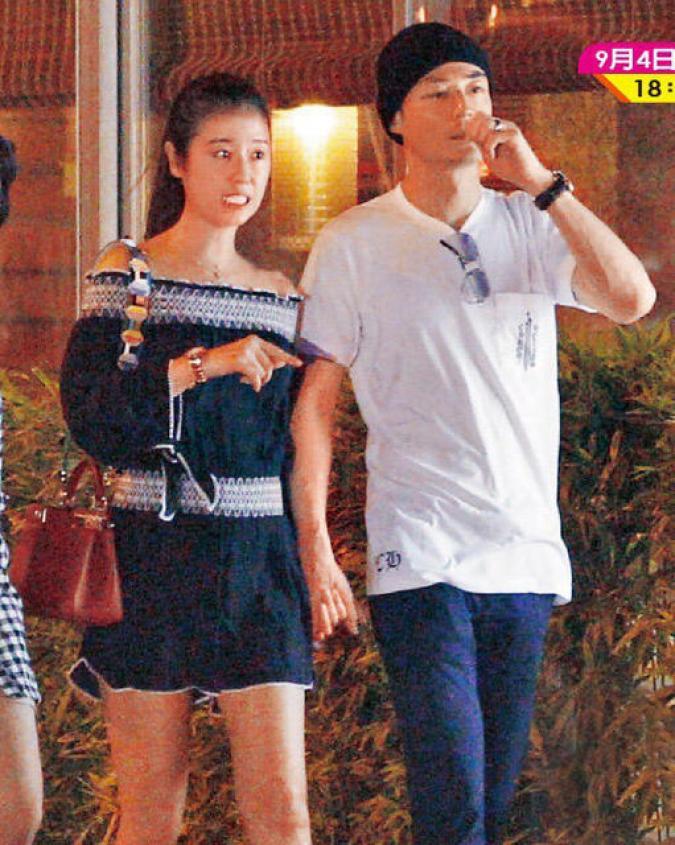 """""""Bất thường"""" trong cuộc sống vợ chồng của Lâm Tâm Như - 5"""
