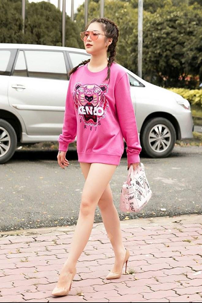 """Angela Phương Trinh dẫn đầu trào lưu """"không quần"""" ra phố - 3"""