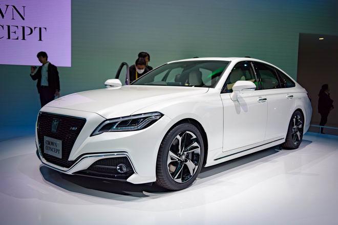Toyota Crown: Sedan hạng sang thực thụ của Toyota - 1