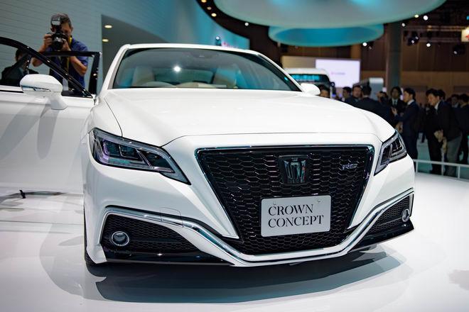 Toyota Crown: Sedan hạng sang thực thụ của Toyota - 4