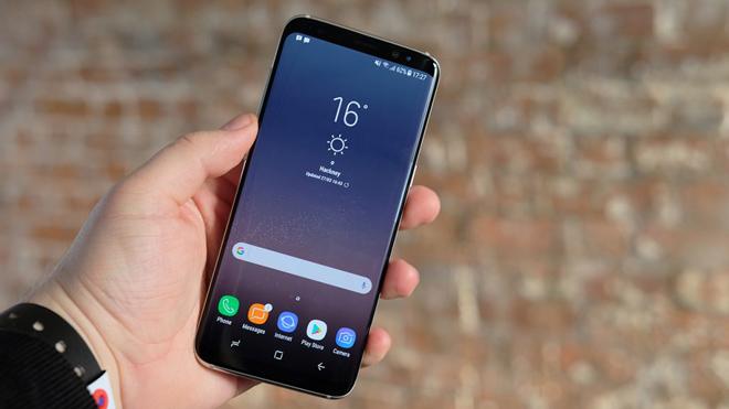Top smartphone cao cấp, nhưng giá đã giảm sâu mùa mua sắm - 1