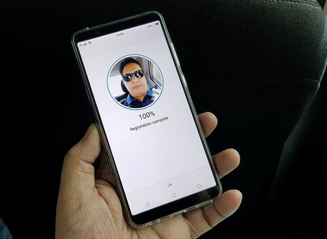 Top smartphone có nhận diện khuôn mặt như iPhone X, giá rẻ hơn nhiều - 2