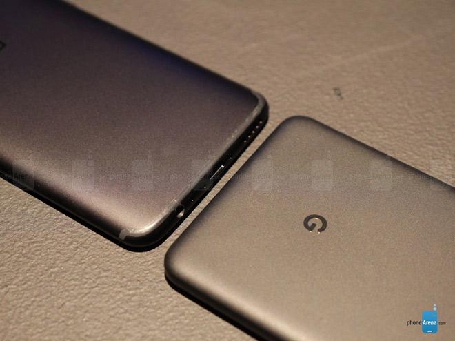 So sánh nhanh OnePlus 5T và Google Pixel 2 XL - 8