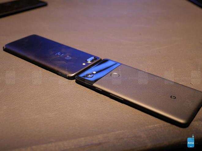 So sánh nhanh OnePlus 5T và Google Pixel 2 XL - 4