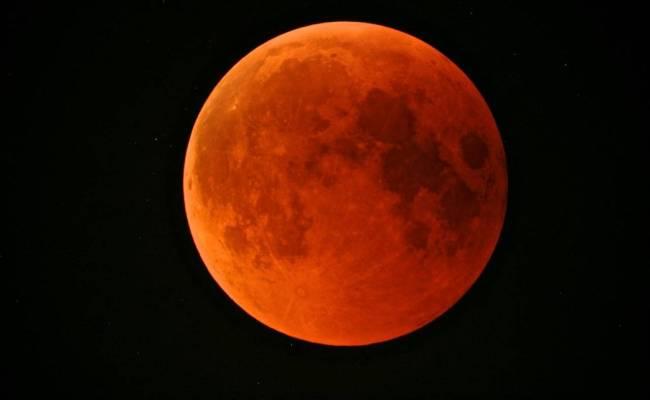 Il 31 Gennaio Vi Sarà L Eclissi Lunare Più Particolare