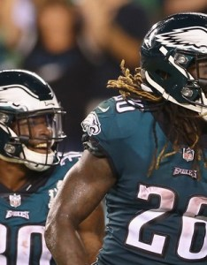 Jay ajayi of the philadelphia eagles reacts during second half against atlanta also rule out darren sproles for week how will rh nj