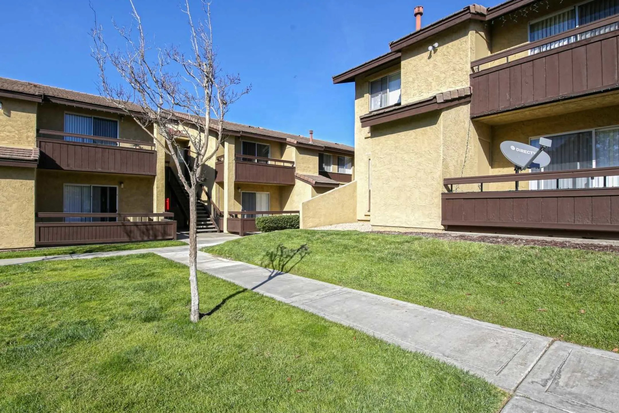 Shadowridge Heights Apartments  Vista CA 92081