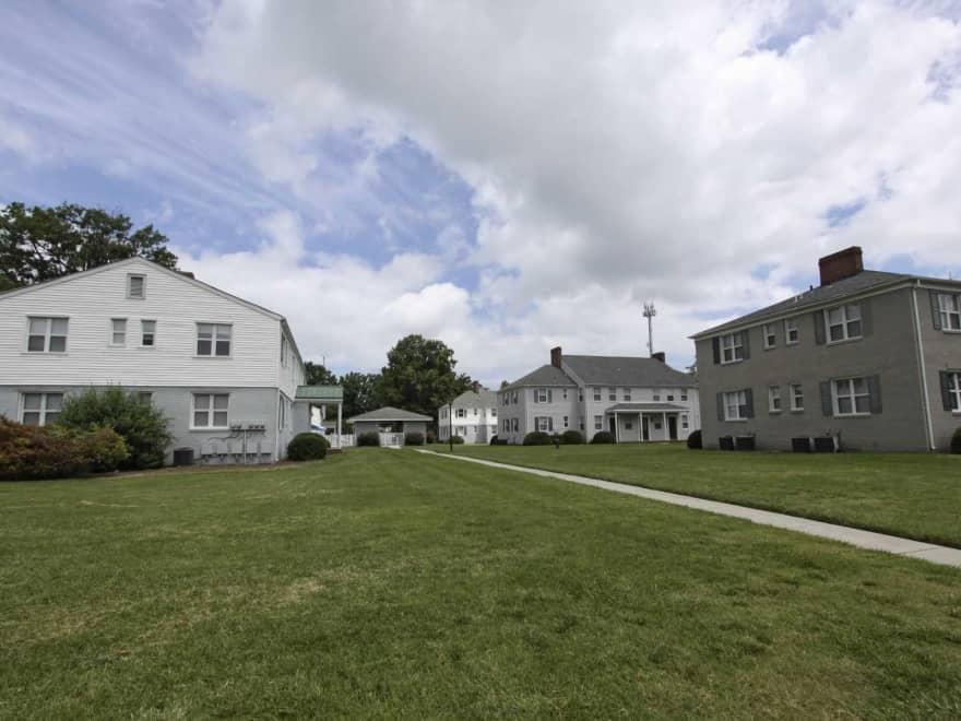 Sterling Oaks Apartments  Norfolk VA 23505  Apartments for Rent