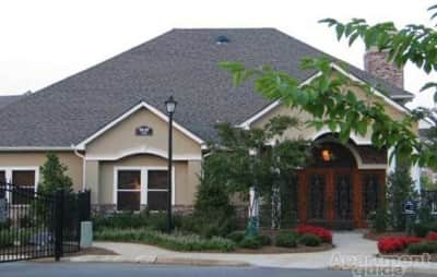 Apartments for Rent with Garage in Cordova, TN