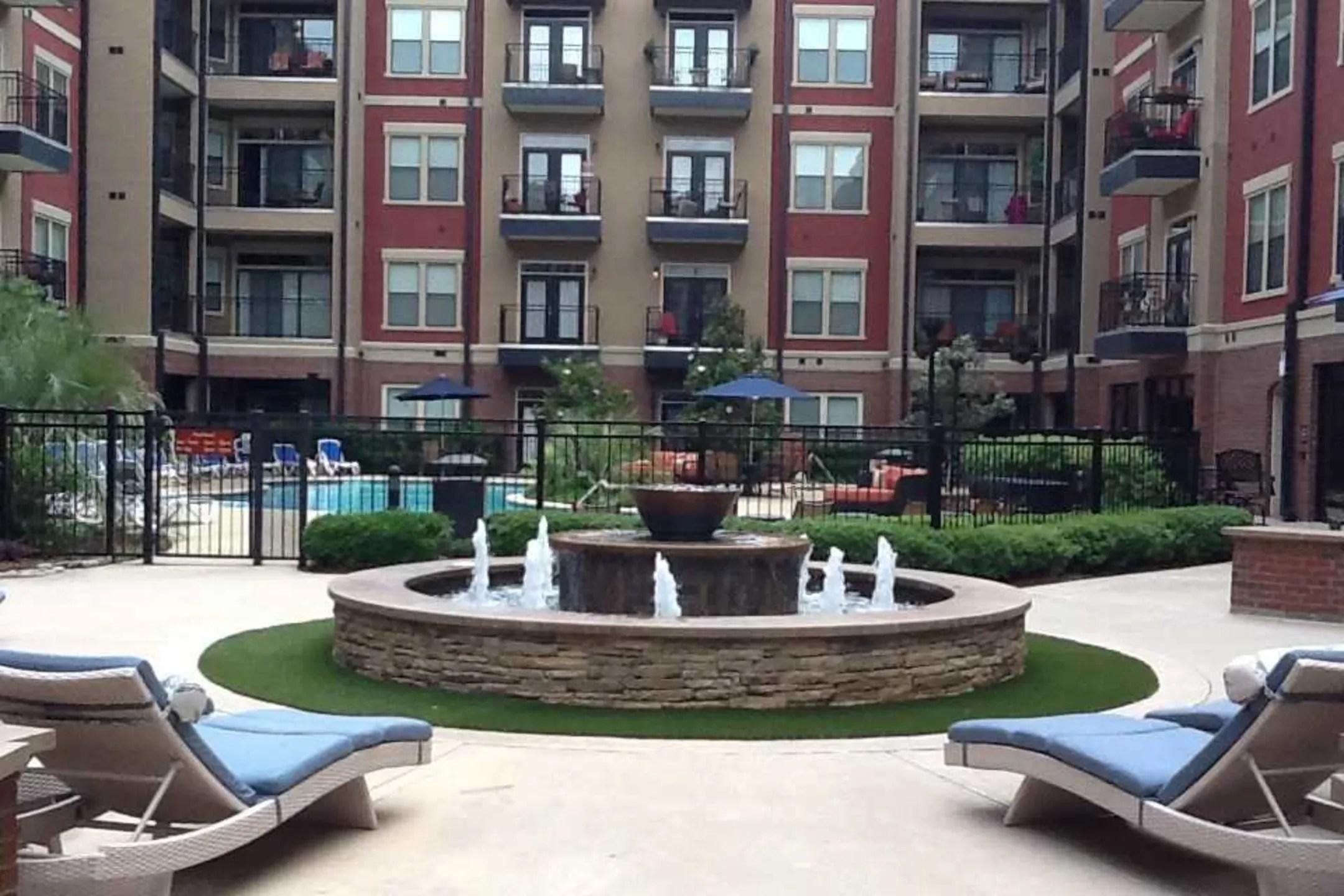 Resort at 925 Main Apartments  Grapevine TX 76051