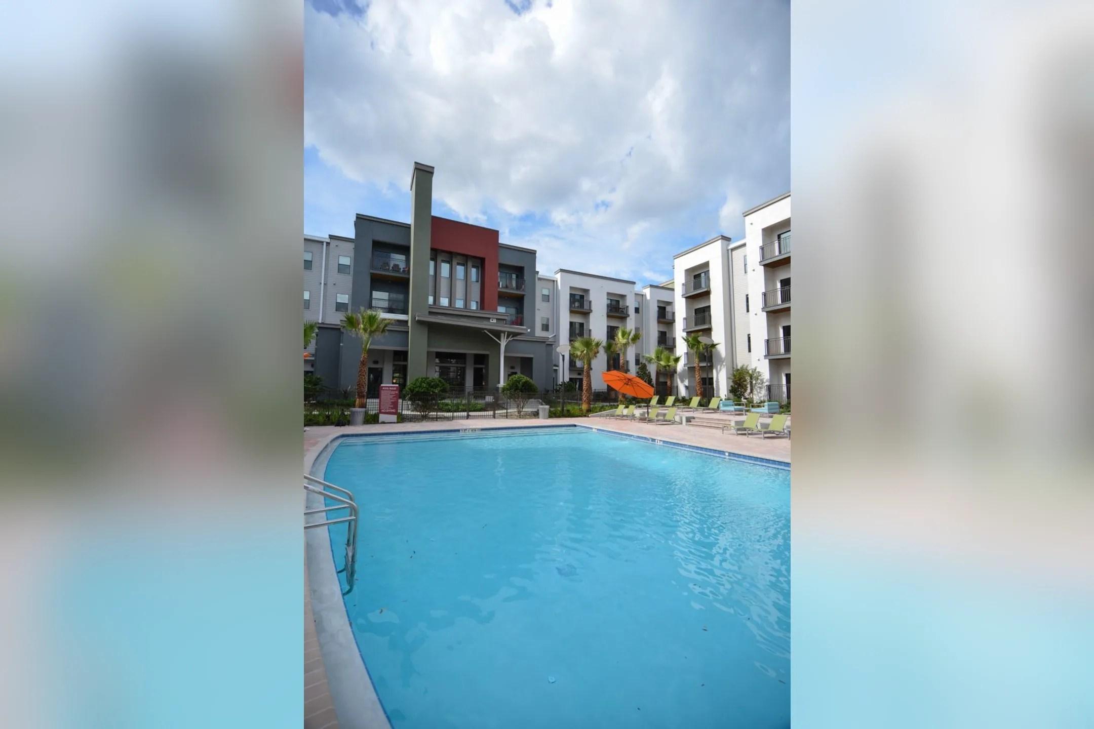 Solara Apartments  Sanford FL 32771