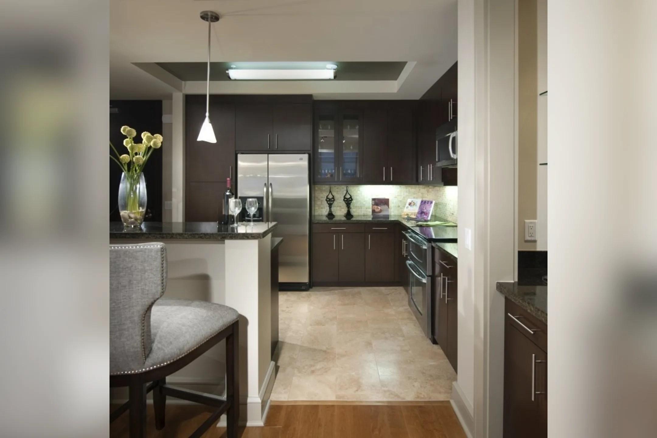 Ashton San Francisco Apartments  San Francisco CA 94134