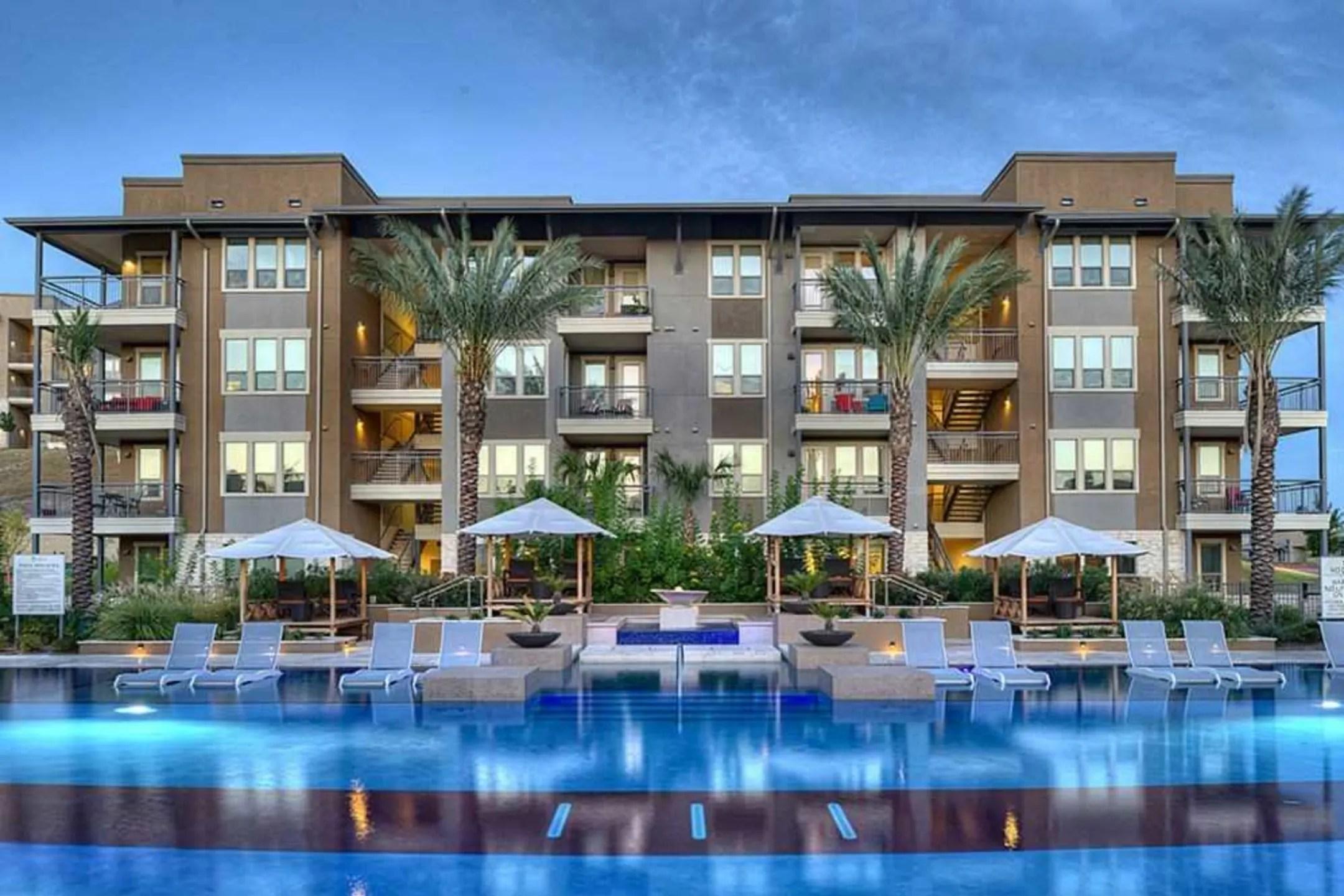 Belleza at Cresta Bella Apartments  San Antonio TX 78256