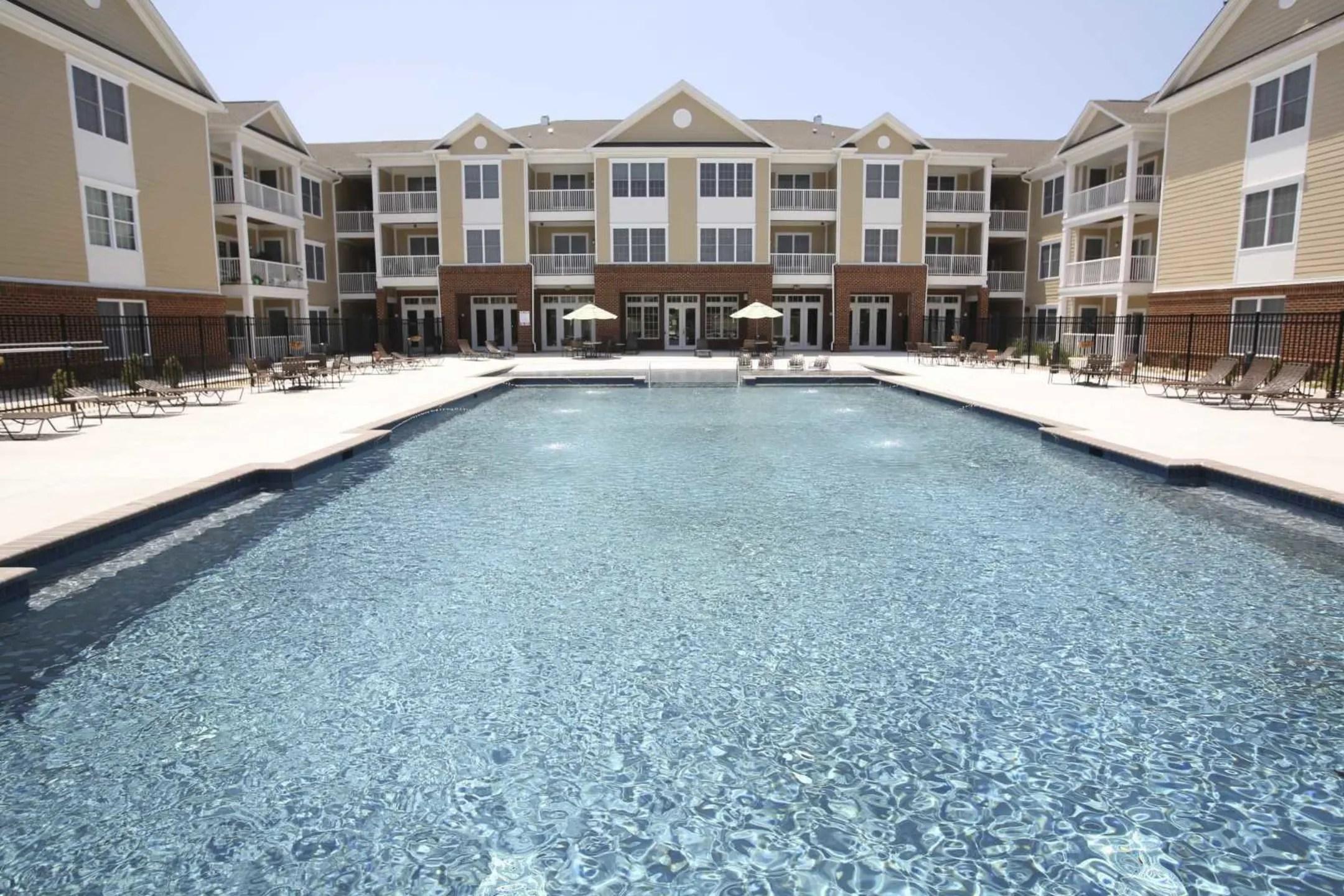 Park Crescent Apartments  Norfolk VA 23513