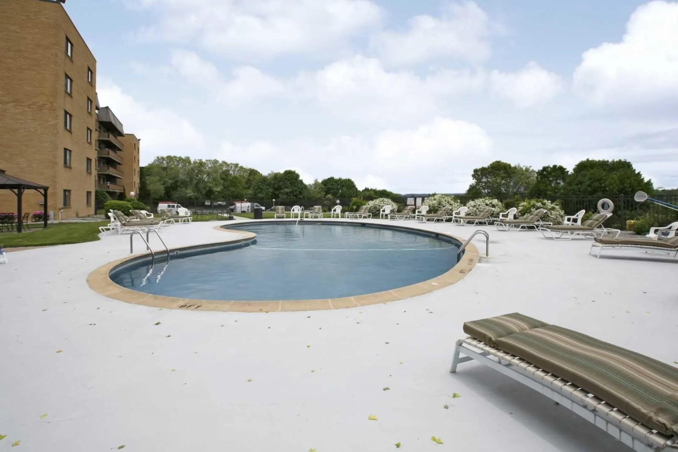 Chestnut Hill Apartments  Hamden CT 06514