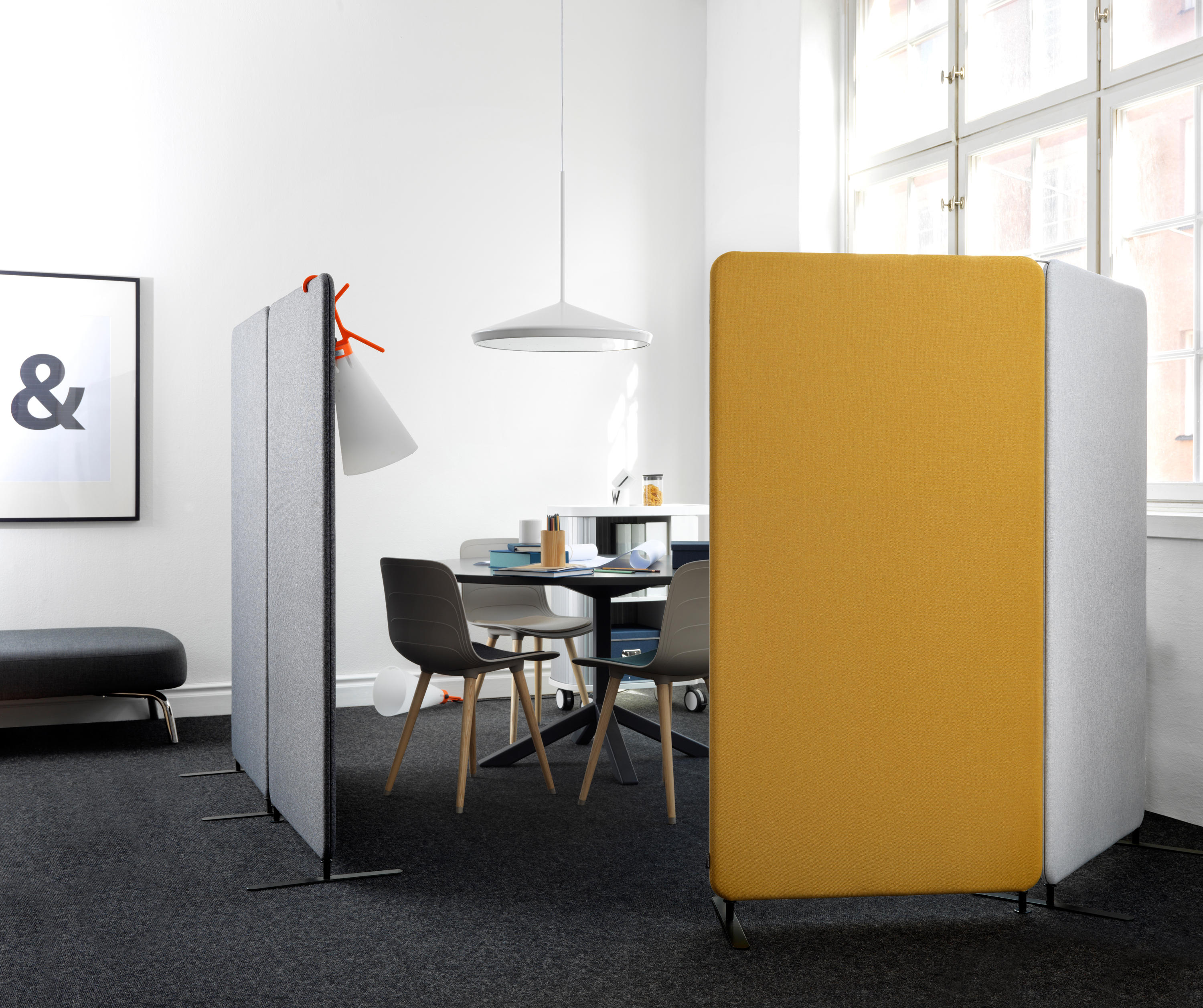 SOFTLINE TABLE SCREEN  Table dividers from Abstracta