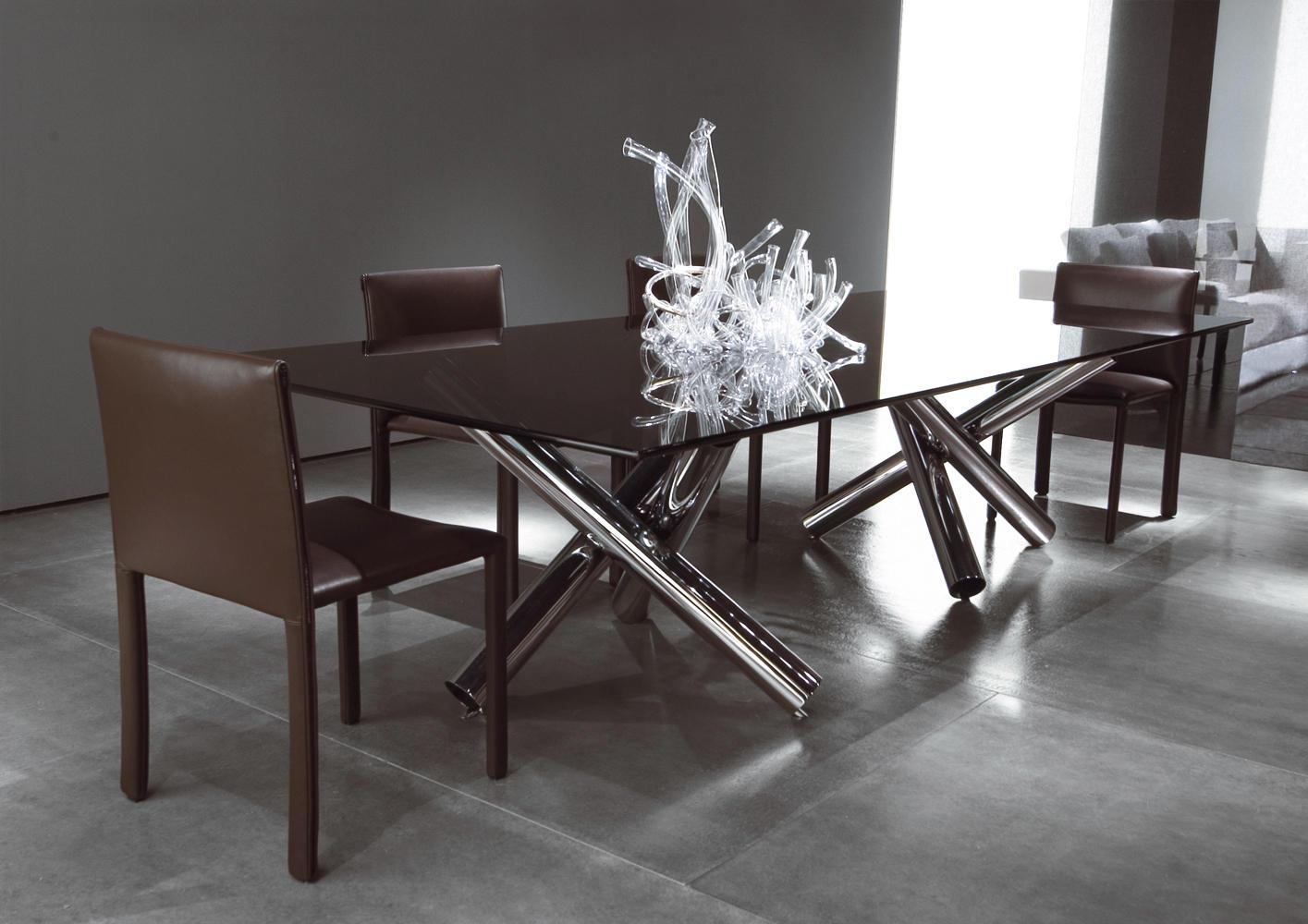Produciamo e rivendiamo set di sedie e tavoli (cod 104) adatti ad arredamento pub,. Roma Chair Chairs From Minotti Architonic