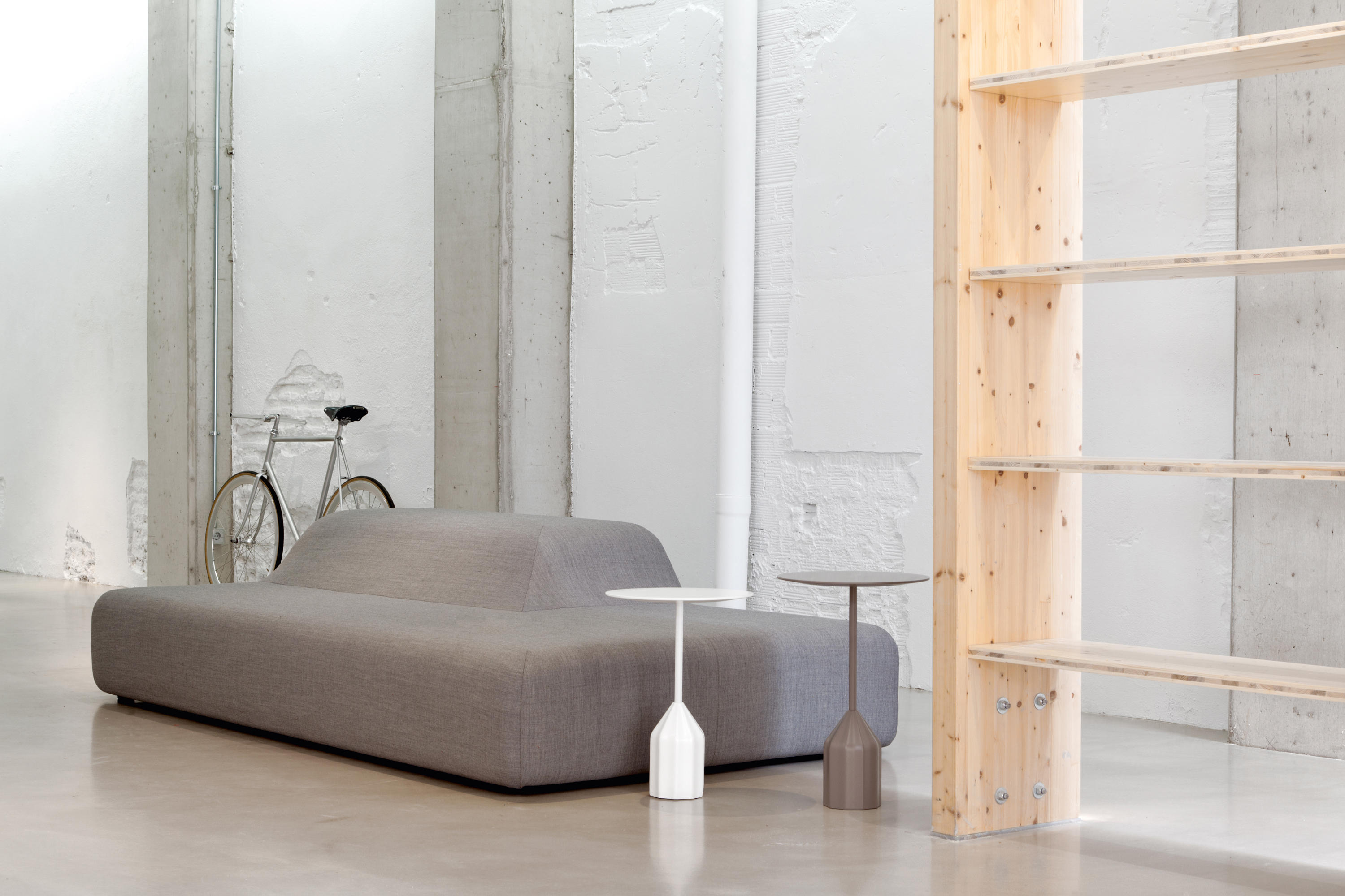 mini sofa chairs memphis bed season - poufs from viccarbe   architonic